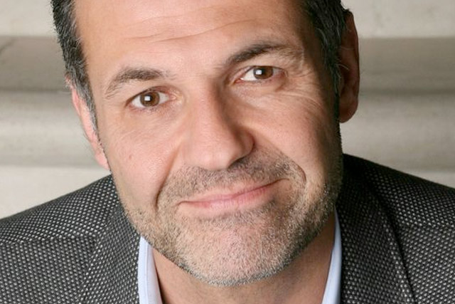 Meet Khaled Hosseini discussing and signing And the Mountains Echoed