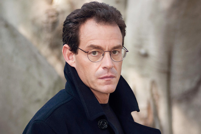 Meet Daniel Silva discussing and signing The English Girl at Temple Judea