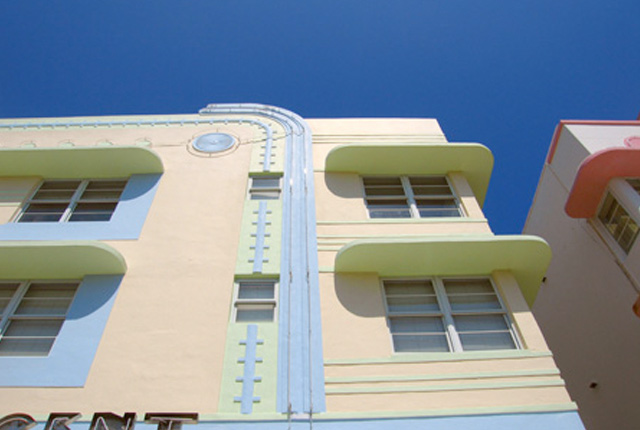 Miami Design Preservation League's Art Deco + MiMo Tour Guide